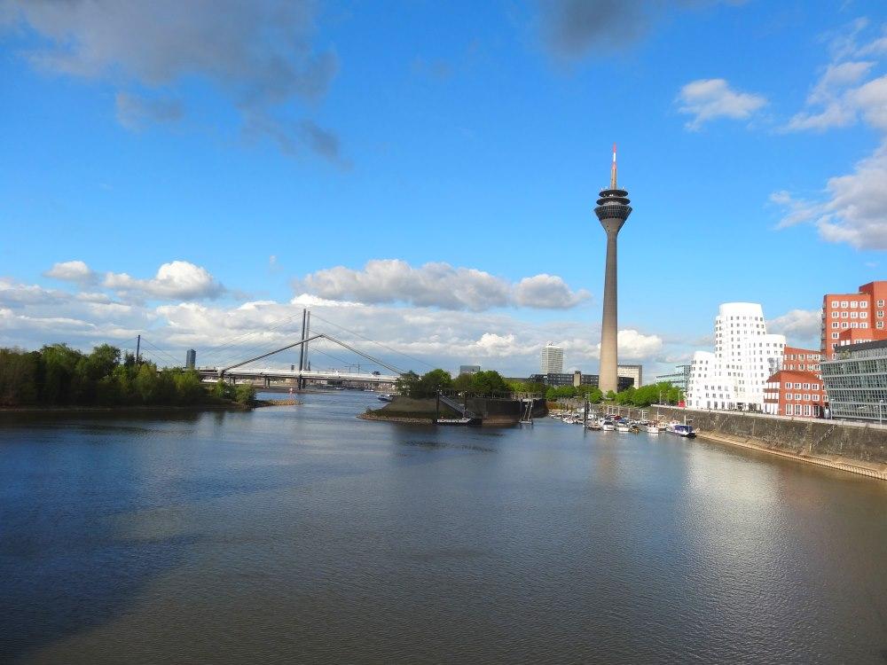 Düsseldorf © Viedexpat 1000