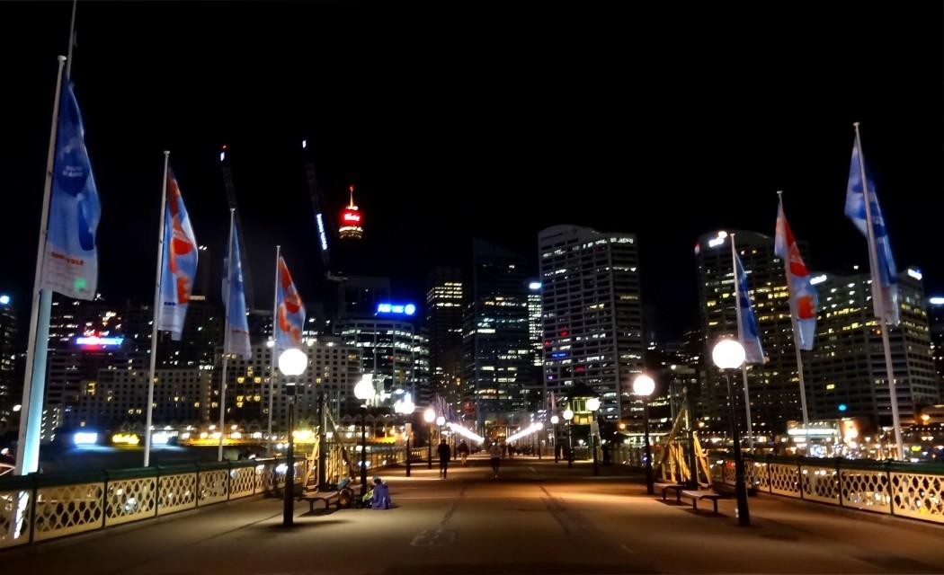 Pyrmont Bridge de nuit Sydney